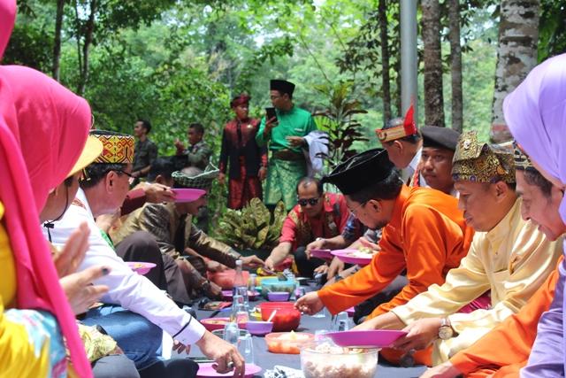 Napak Tilas ke Situs Asal Muasal Kota Sanggau, dalam Rangka HUT Kab. Sanggau ke-403