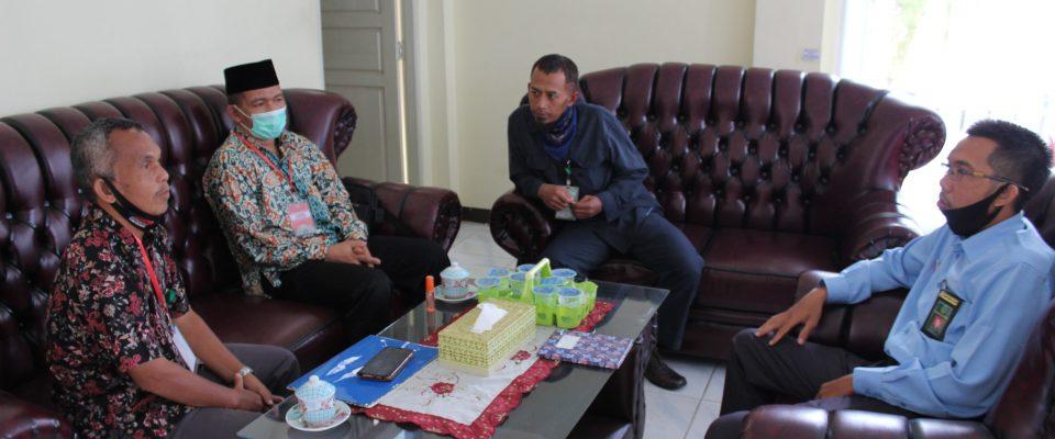 Dekan Syariah IAIN Pontianak Temui Panitera dan Sekretaris PA Sanggau