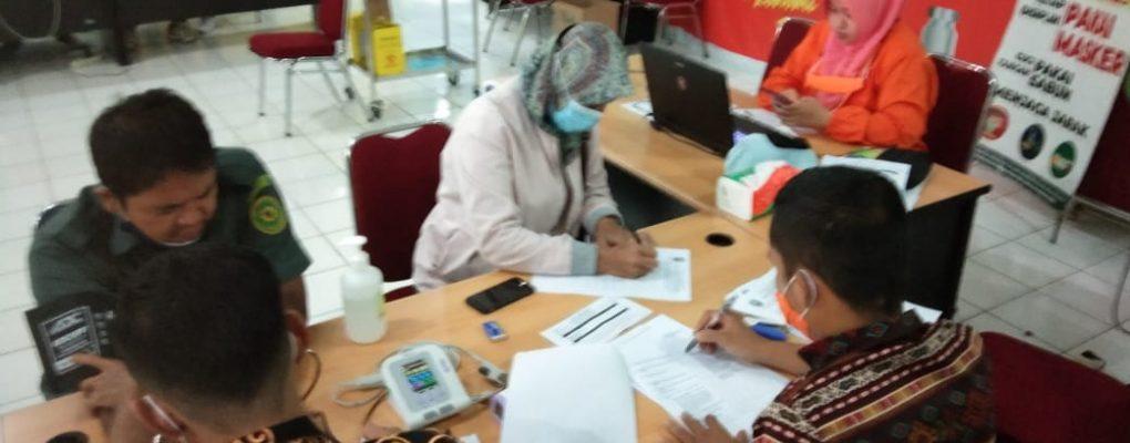 Pegawai PA Sanggau Mengikuti Vaksinasi Covid-19